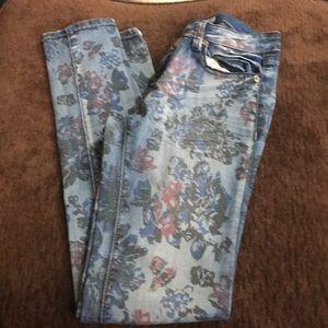 Grace Jeans sz 26 fun denim print top quality
